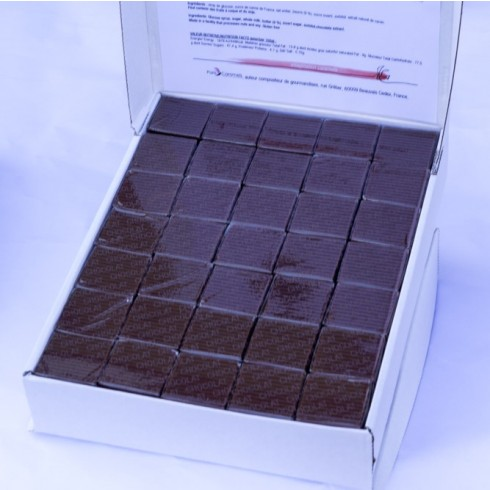 PARIS CARAMELS LARGE SQUARES CASE-CHOCOLATE BUTTER